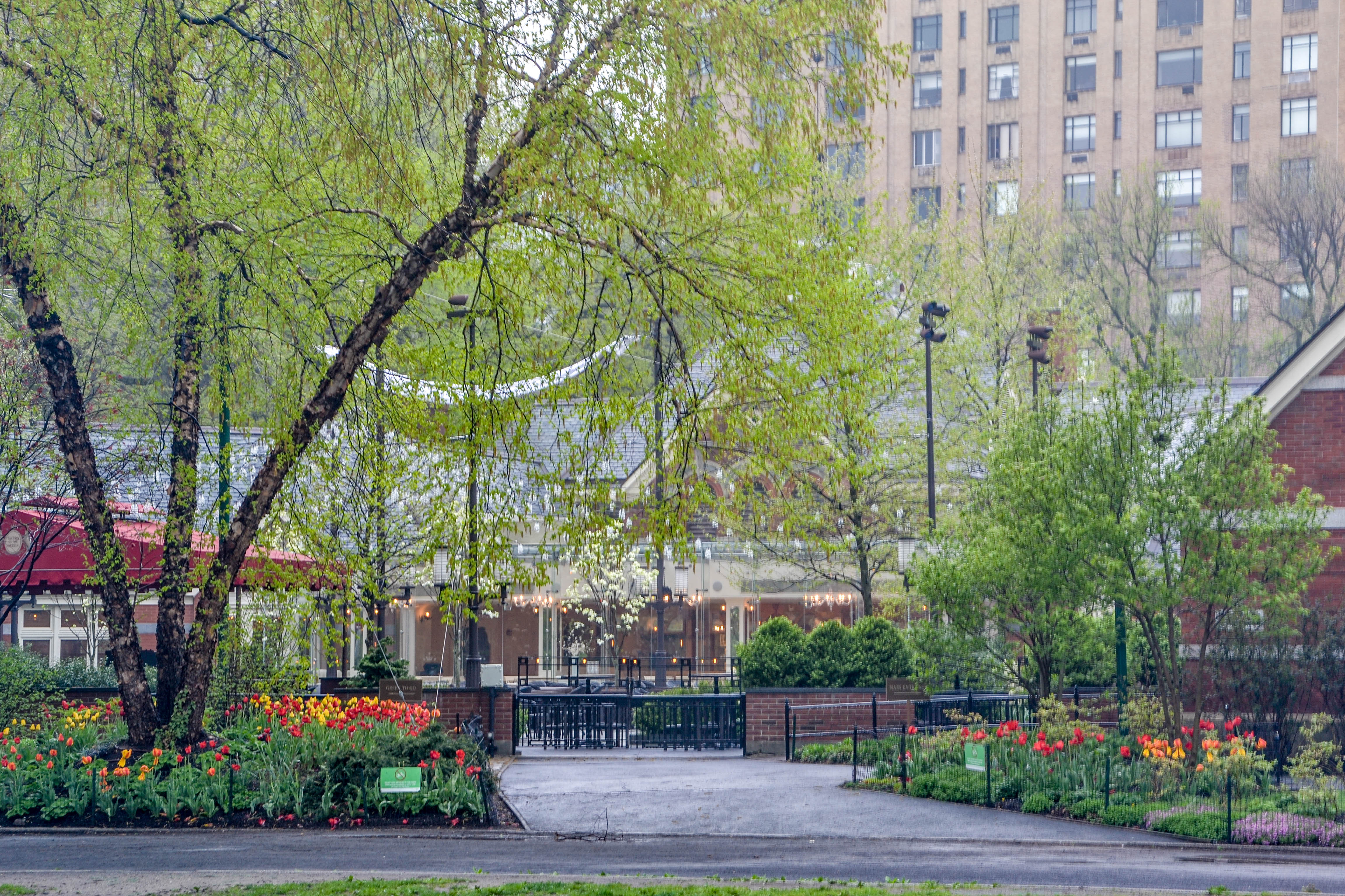 Central Park, New York, Tavern on the Green